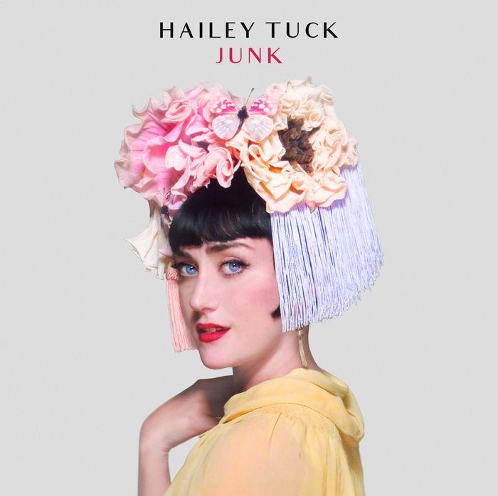 """Musique: l'album """"Junk"""" de Hailey Tuck est disponible"""